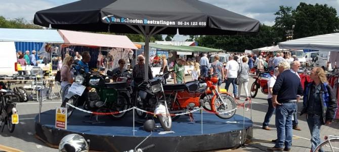 Foto's bromfietsen en motoren